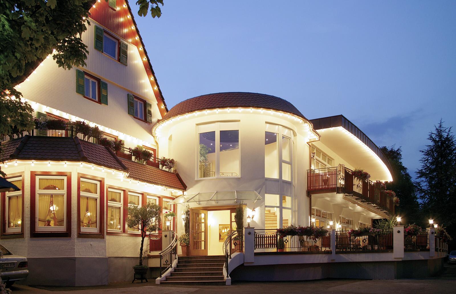 Aussenaufnahme bei Nacht - Hotel Ochsen, Höfen