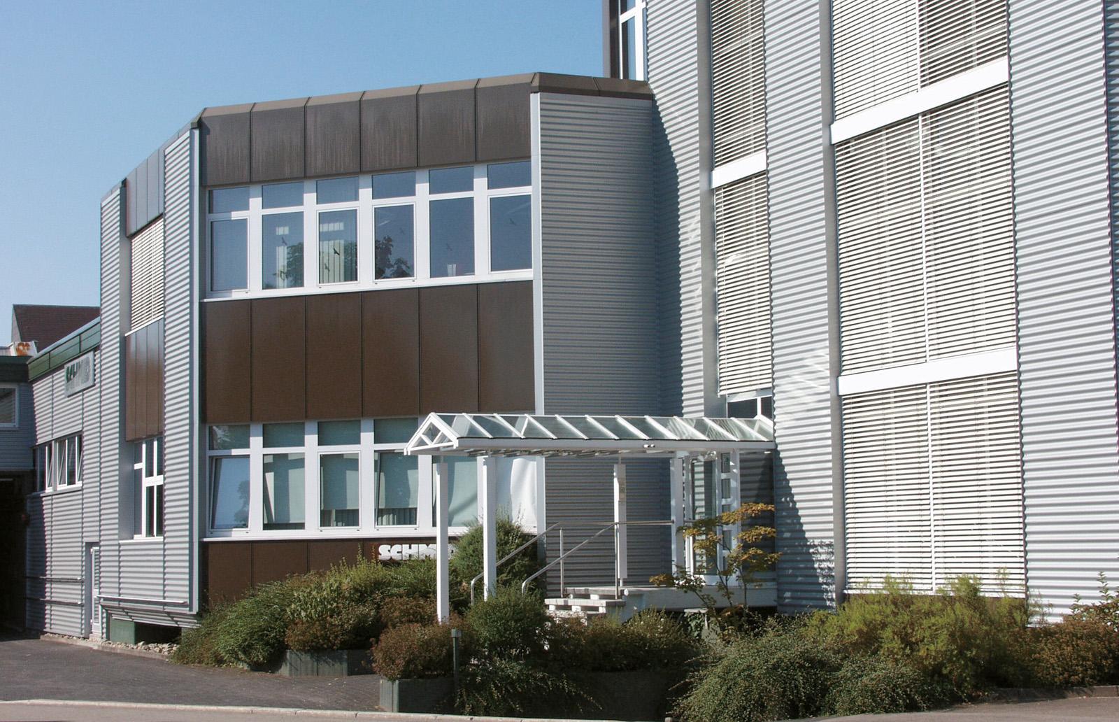 Haupteingang zur Verwaltung - Gebr. Schmid GmbH, Freudenstadt